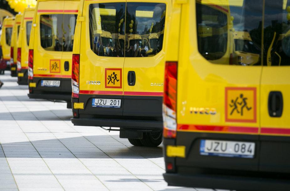 Naujų mokyklinių autobusų perdavimo renginys