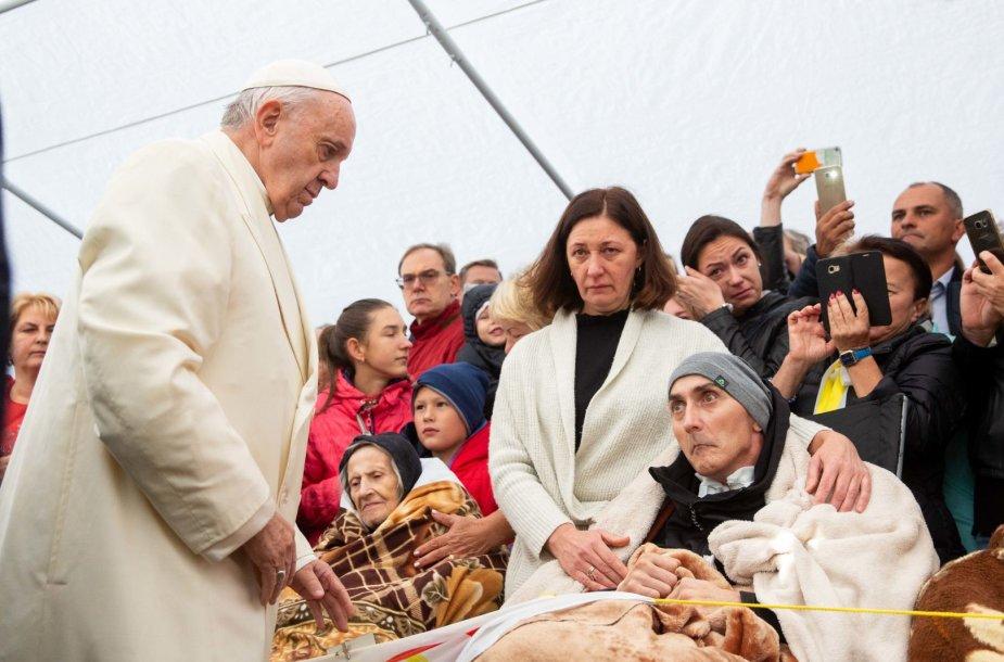 Popiežius Pranciškus apsilankė Vilniaus hospise