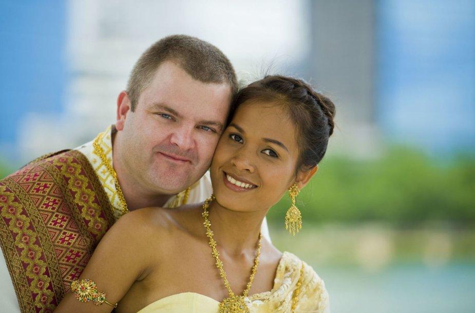 Užsienietis ir iš Tailando kilusi jo žmona – dažna pora Azijoje