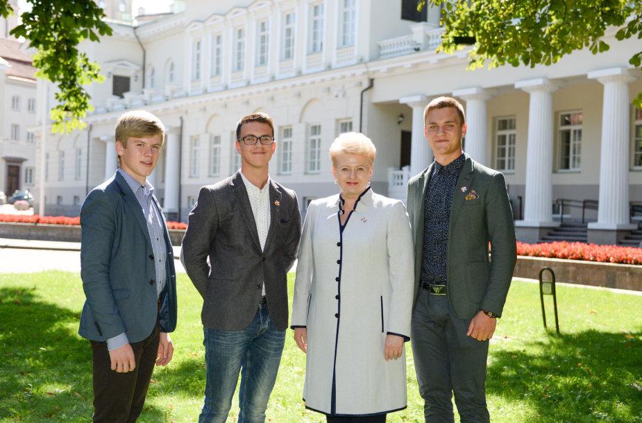 J.Meškys, L.Kaminskis ir R.R.Klingeris (iš kairės į dešinę) susitiko su prezidente Dalia Grybauskaite