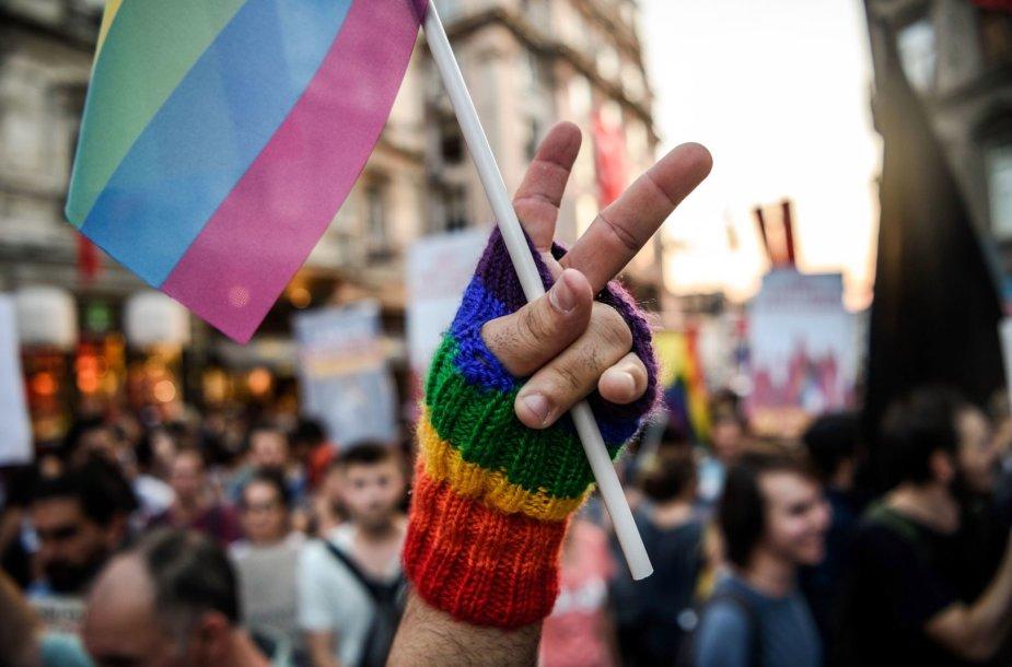 LGBT parado akimirka