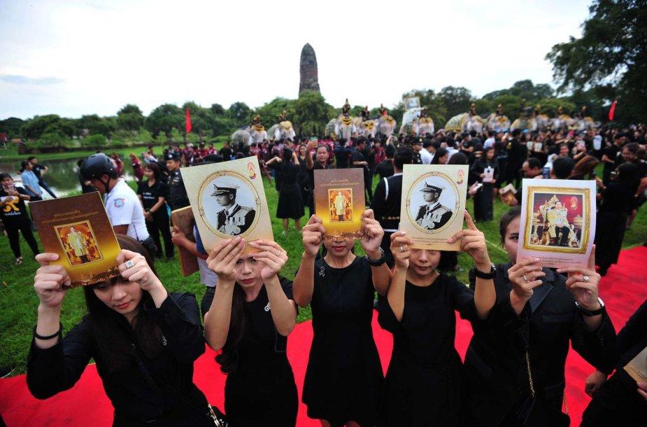 Tailandas mini karaliaus Bhumibolo Adulyadejo mirties metines