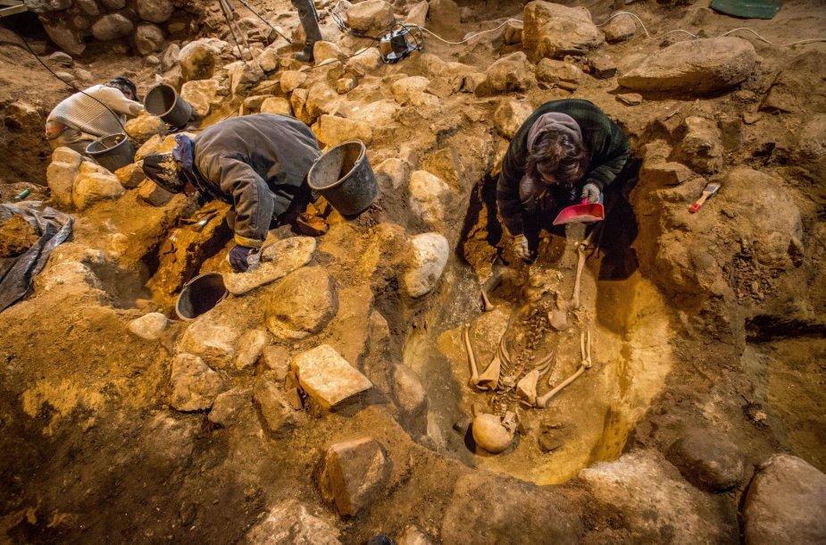 Archeologiniai kasinėjimai Gedimino kalno aikštelėje