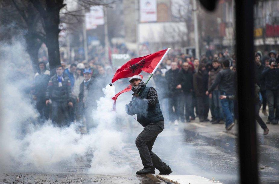 Riaušės Kosovo sostinėje