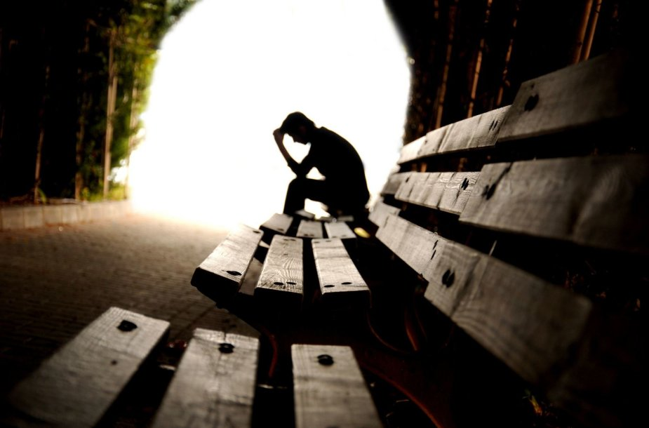 Mokykloje patiriamos patyčios žlugdo pasitikėjimą savimi.