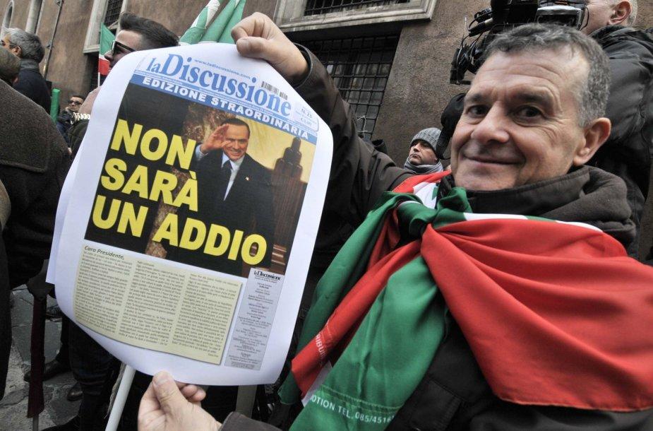 Italai palaiko nuteistąjį ekspremjerą Silvio Berlusconį