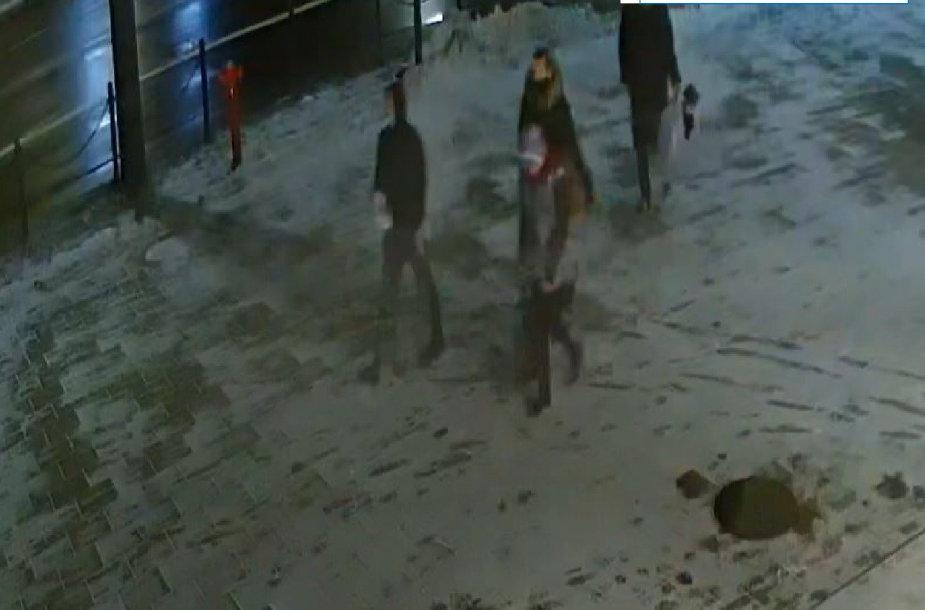 Apvogtas turgavietės kioskas – ieškomi šie žmonės