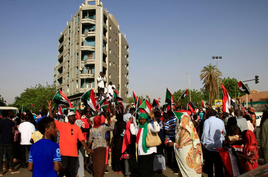 Sudanas paskendęs protestuose