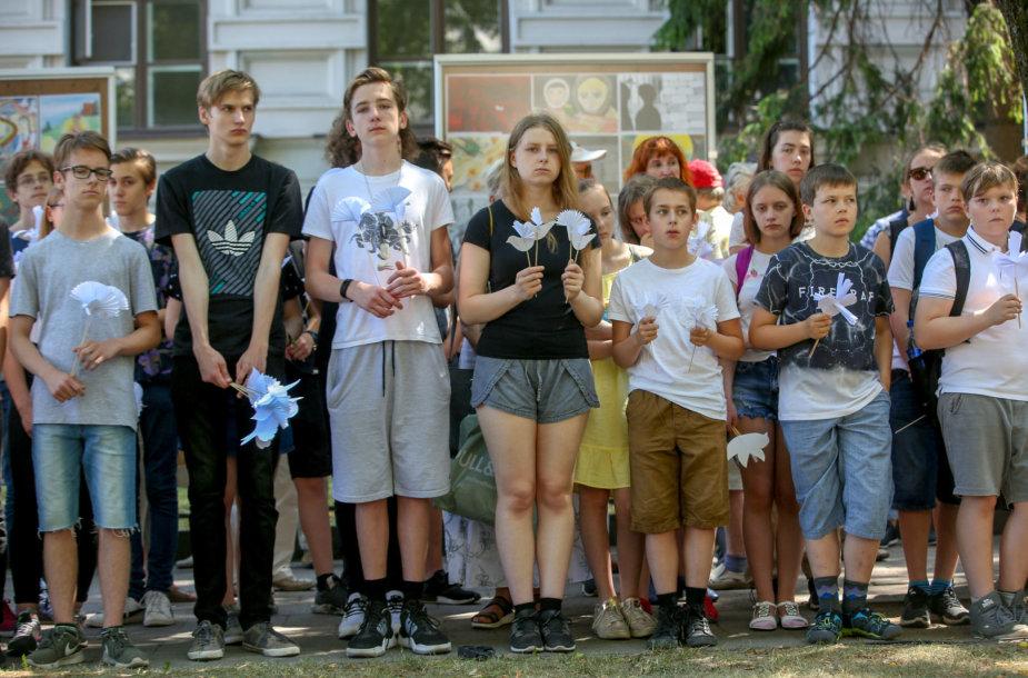 Gedulo ir vilties dienos minėjimas Aukų gatvėje