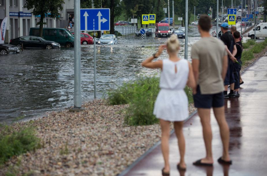 Patvinusi Verkių gatvė Vilniuje