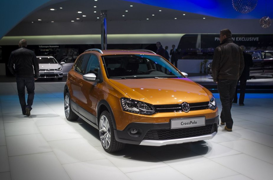 """Naujasis """"Volkswagen Polo"""" atskleistas Ženevos automobilių parodoje"""
