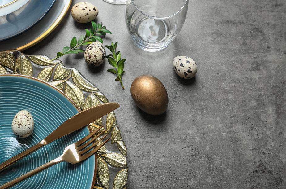 Velykų stalo dekoras