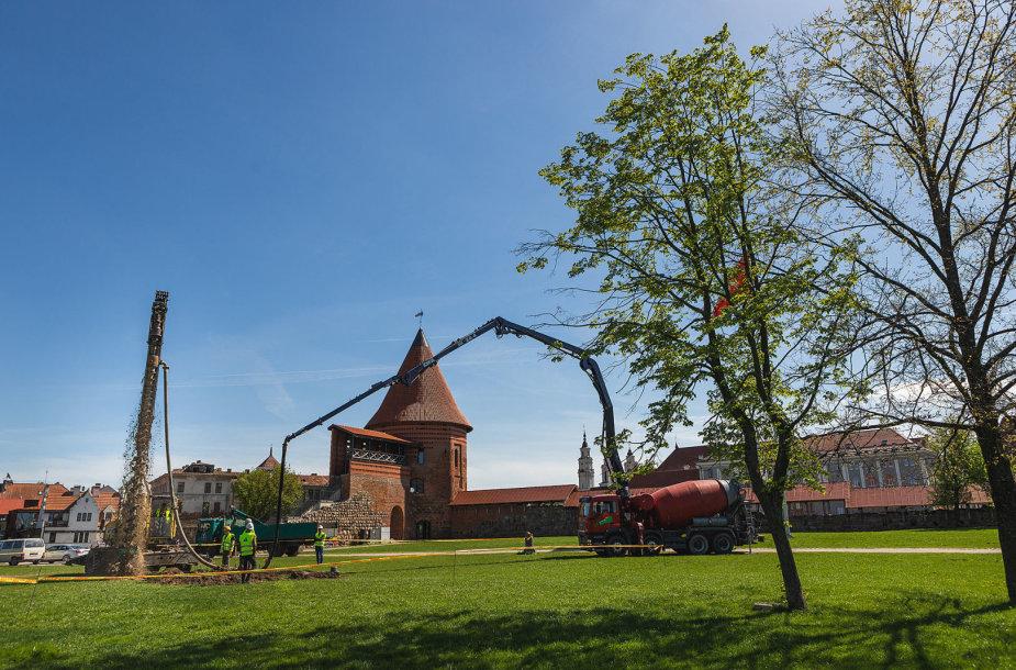 Kaune pradedami Vyčio skulptūrai skirtos aikštelės įrengimo darbai