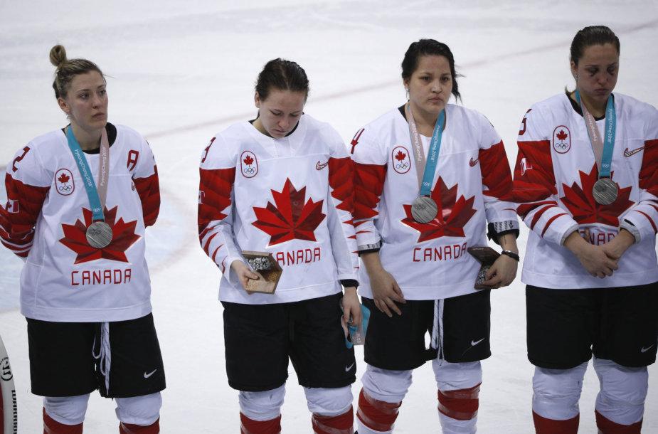 Kanados ledo ritulininkėms pralaimėjimas JAV komandai finale virto nusivylimu.