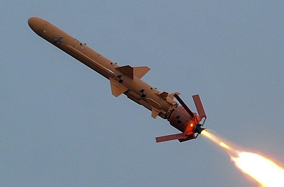 """2018 m. mokymų metu paleista ukrainietiška priešlaivinė raketa """"Neptun"""""""