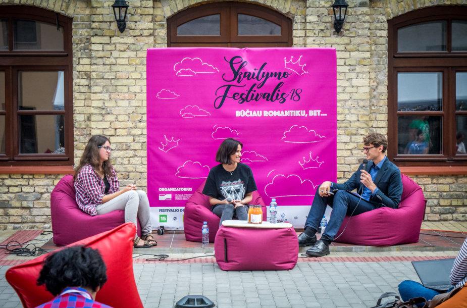 """""""Skaitymo festivalyje"""" – diskusija apie skaitymo romantiką"""