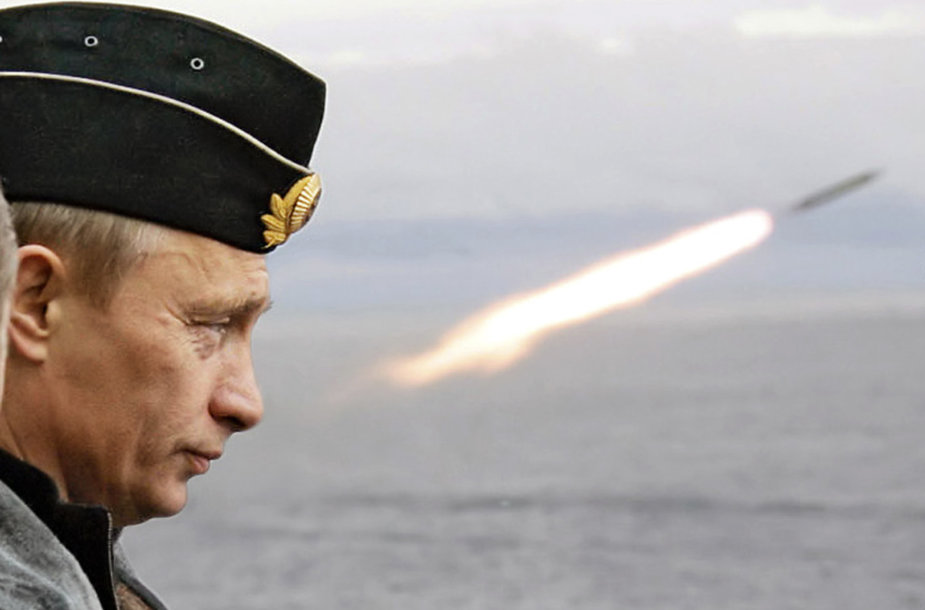 Vladimiras Putinas stebi raketos paleidimą Arktyje