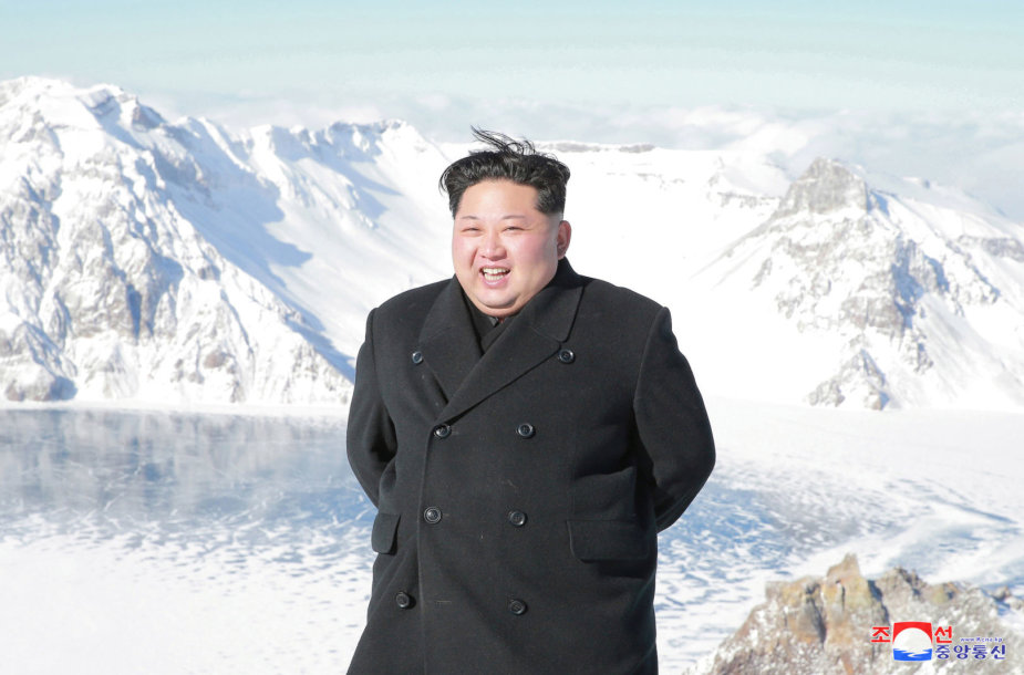 Kim Jong Unas ant Pektusanokalno
