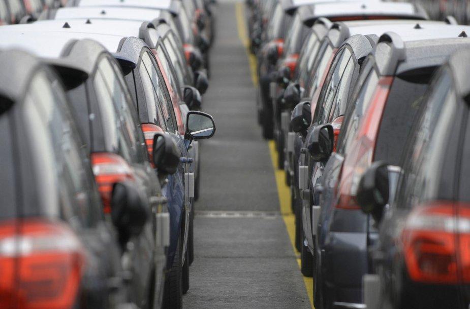 Neparduoti automobiliai
