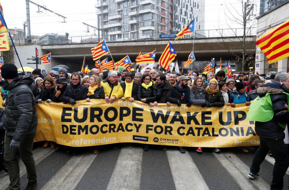 Briuselyje 45 tūkst. žmonių susirinko pareikšti paramos katalonų nepriklausomybės siekiui