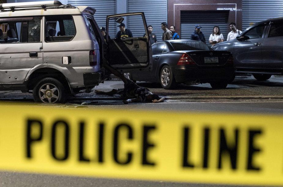 """Filipinų policija per """"supainiotos tapatybės"""" incidentą nušovė du žmones"""