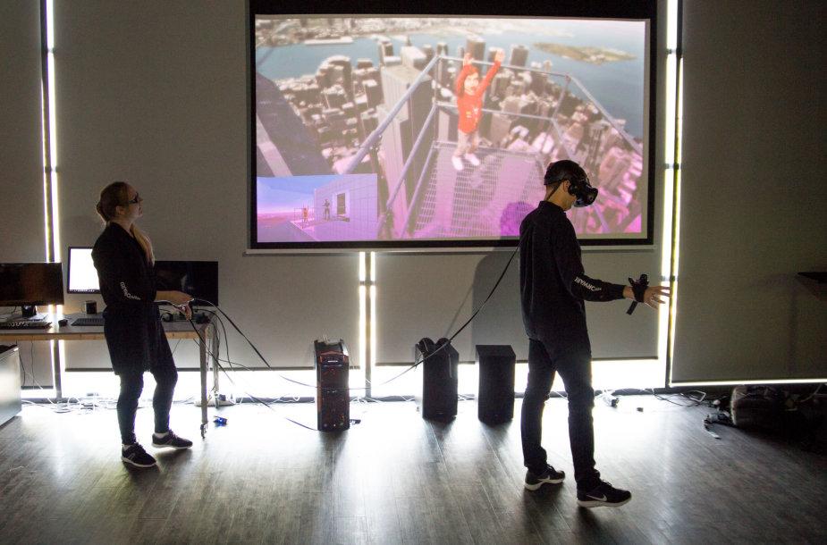 Virtualios realybės sprendimas gydyti aukščio baimę.