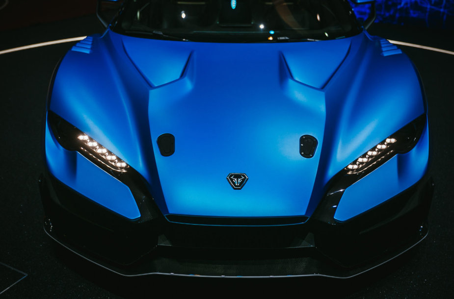 """""""Italdesign"""" Ženevoje demonstruoja bestogį superautomobilį """"Zerouno"""""""