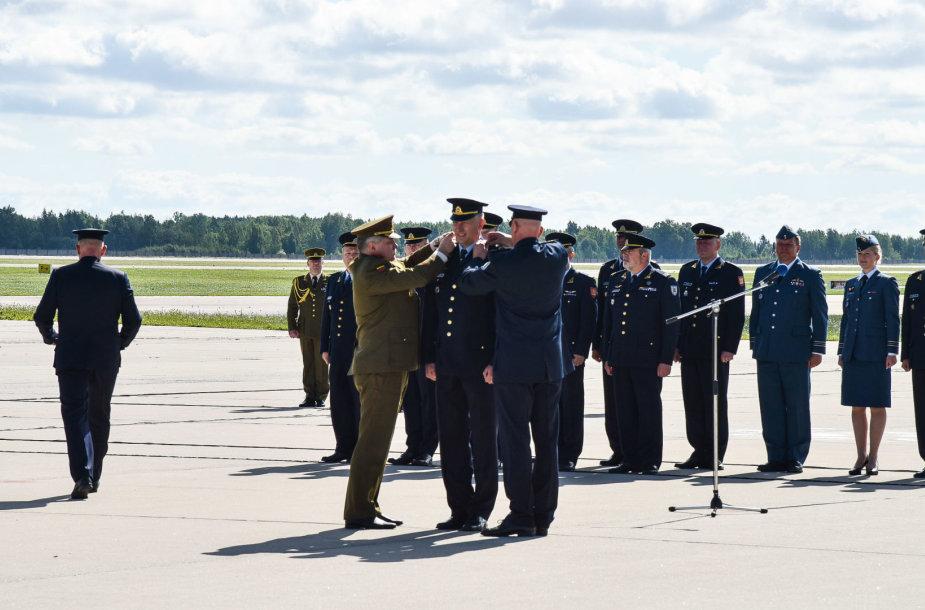 Karinių oro pajėgų Aviacijos bazės vadovo paskyrimo ceremonija