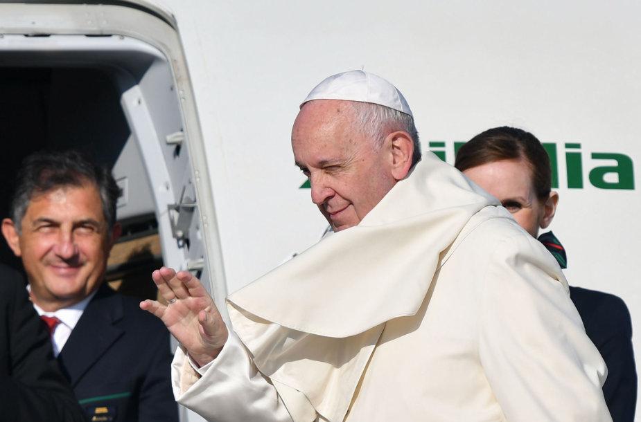 Popiežius Pranciškus atvyko į Rumuniją
