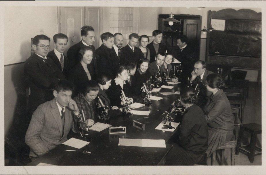 Aukštųjų kursų Medicinos skyriaus histologijos praktikos darbai 1921 m.