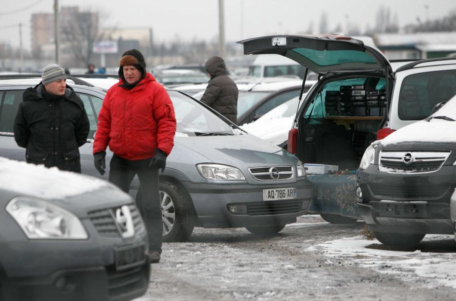 Kauno automobilių turguje