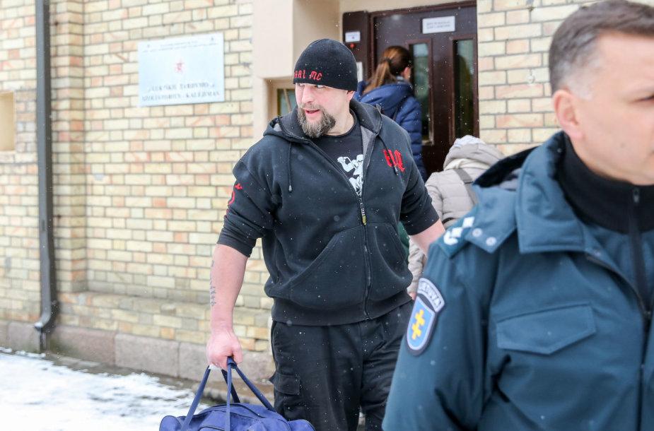 Laurynas Baltrūnas paleidžiamas į laisvę
