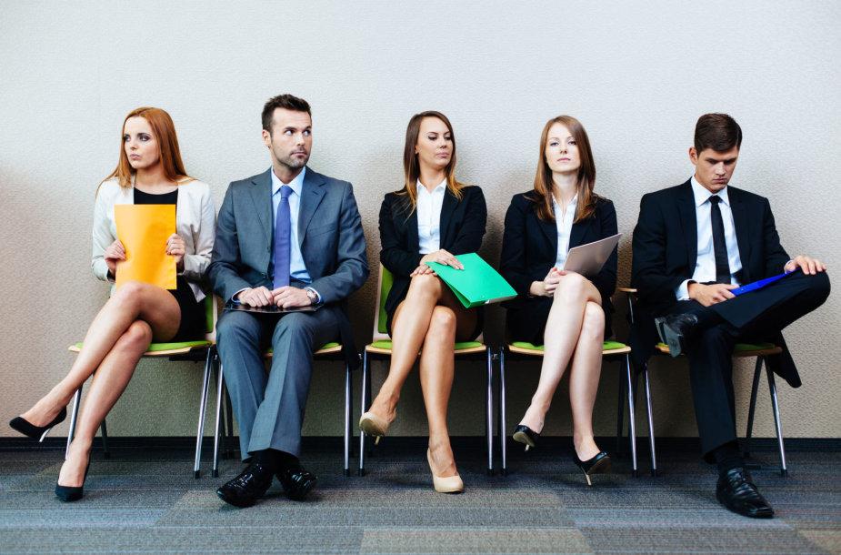 Kandidatai laukia darbo pokalbio