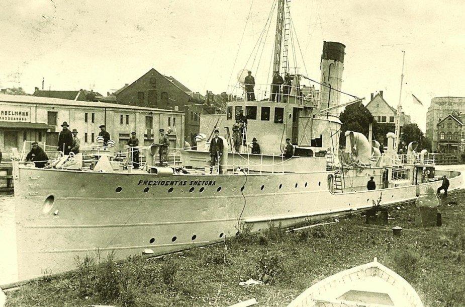 """Laivas """"Prezidentas Smetona"""" buvo pirmuoju Lietuvos karinio laivyno laivu."""