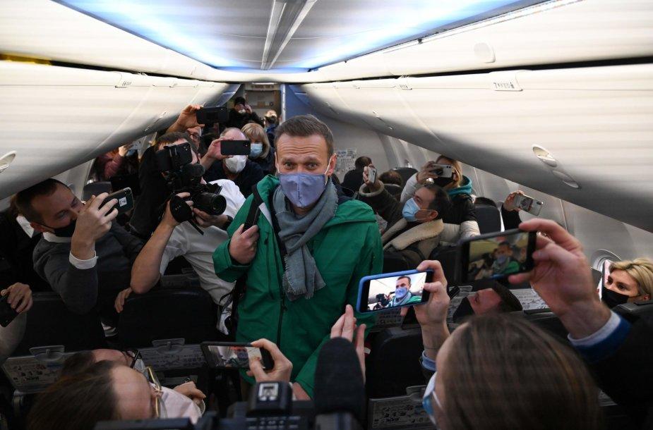 Aleksejus Navalnas skrenda į Rusiją