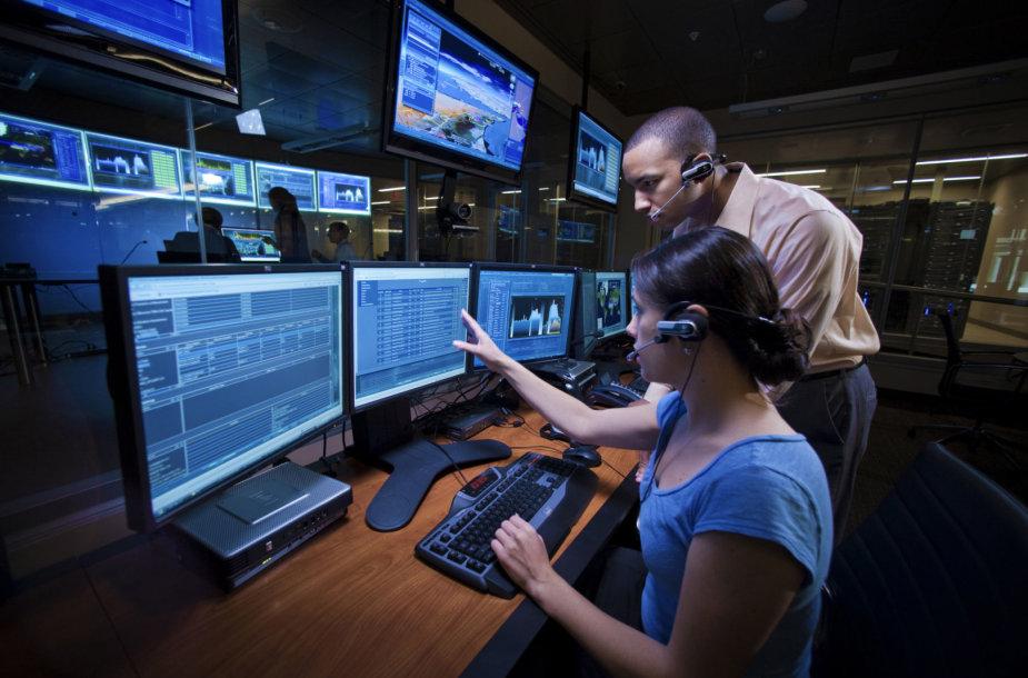 """""""Lockheed Martin"""" kibernetinių grėsmių stebėjimo kambarys"""