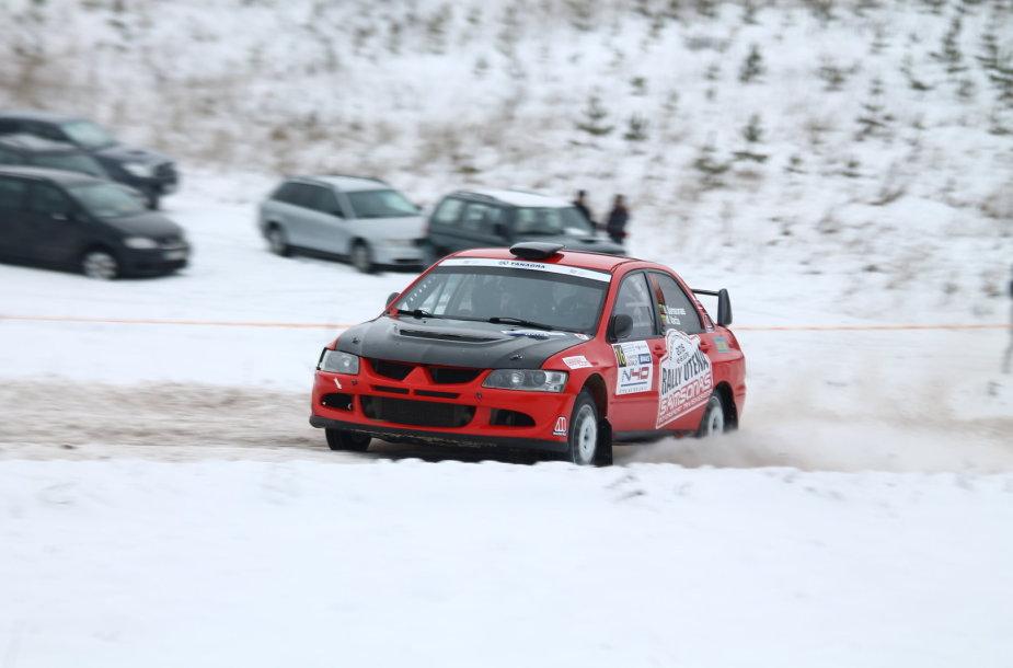"""""""Halls Winter Rally 2015"""" bandomasis ir kvalifikacinis greičio ruožai"""