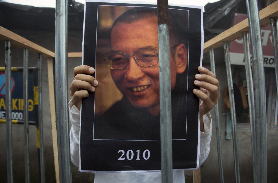 Protestuotojai ragina padėti sunkiai sergančiam Liu Xiaobo
