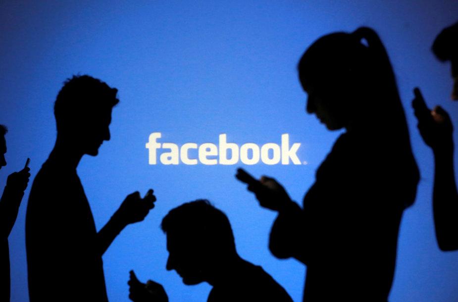 """Tarp """"Facebook"""" ir Mianmaro valdžios bręsta konfliktas"""