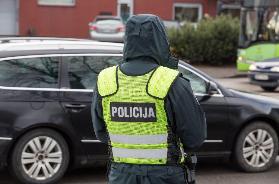 Kelių policijos reidas Tvirtovės alėjoje