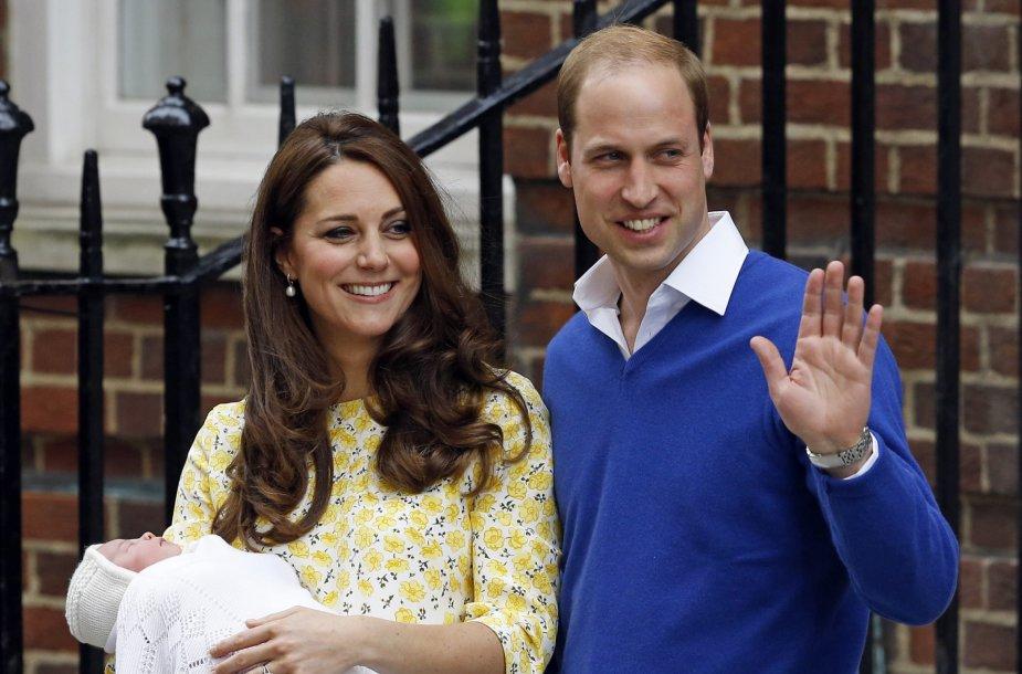 Kembridžo hercogienė Catherine ir princas Williamas su dukra