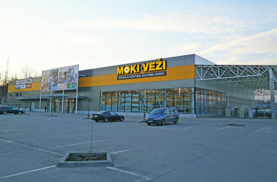 """Alytuje – didžiausias Lietuvoje """"MOKI-VEŽI"""" prekybos centras."""