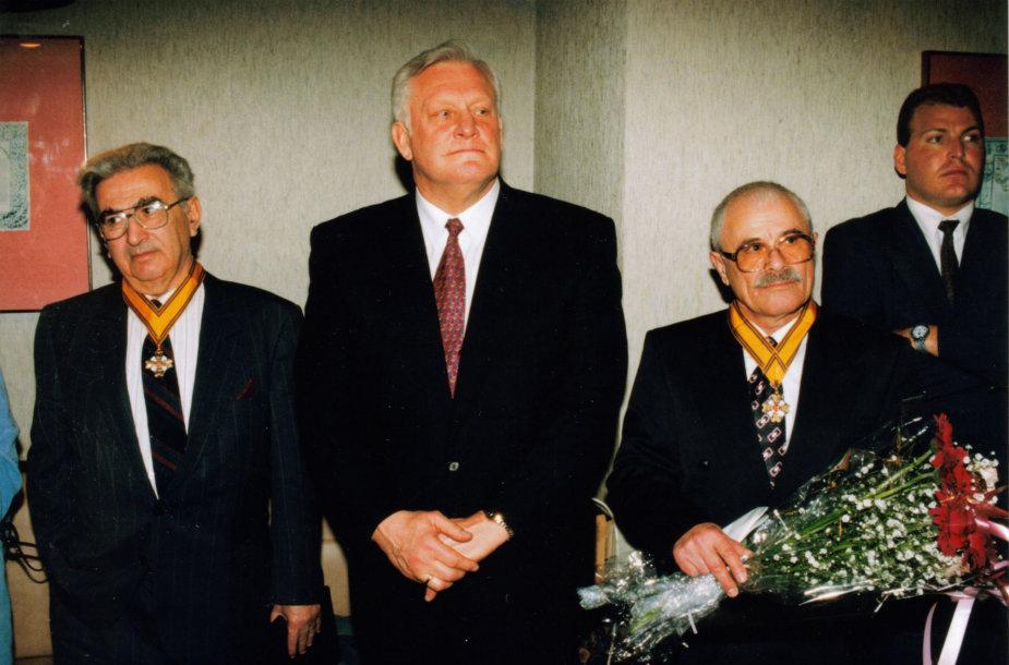 Algirdo Brazausko vizitas Izraelyje 1995 m. Kartu su Grigorijumi Kanovičiu ir Icchoku Meru