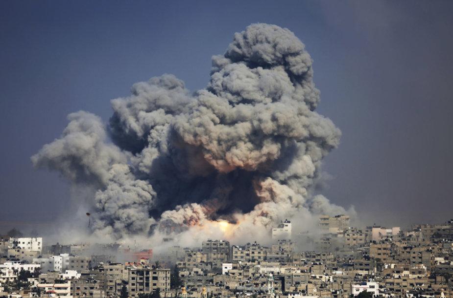 Po Izraelio aviacijos smūgio Gazos Ruože