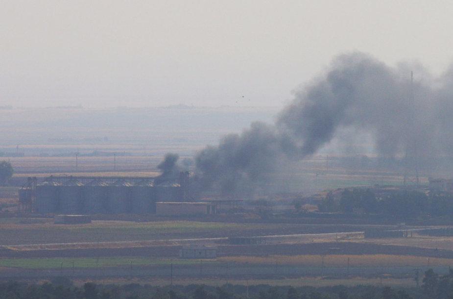 Kaimas Sirijas po Turkijos aviacijos antskrydžio