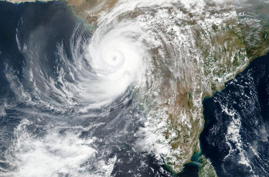 Ciklonas Tauktae virš Indijos