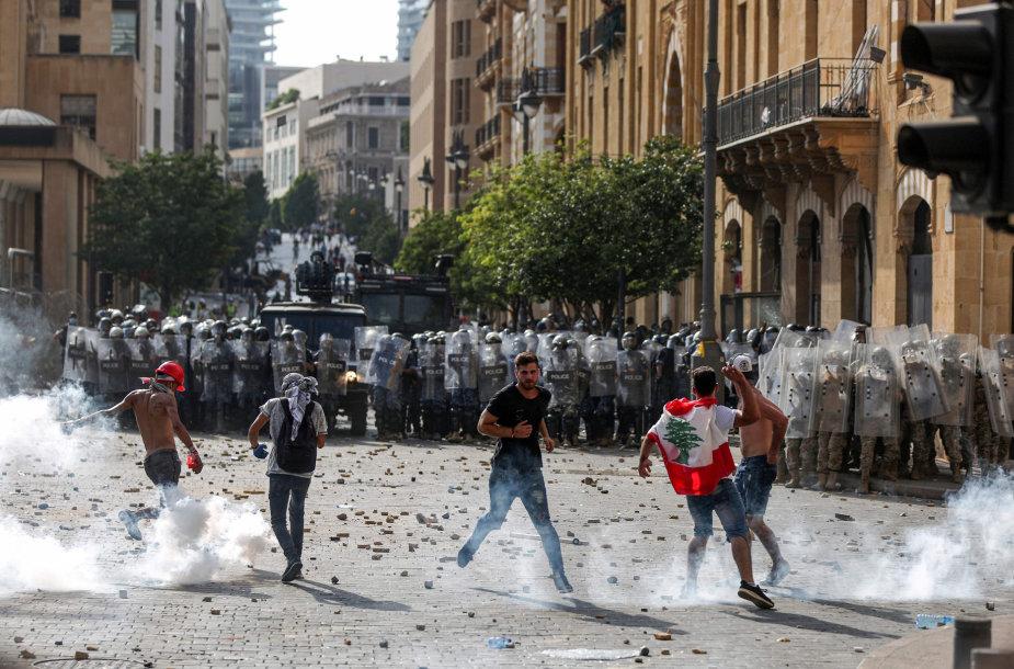 Libano policija ir protestuotojai