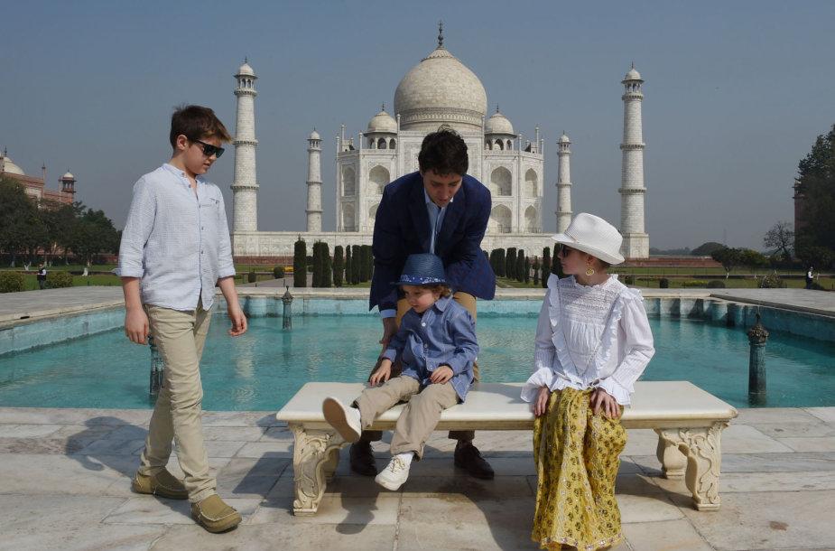 Justinas Trudeau su šeima Indijoje