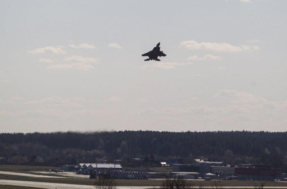 NATO naikintuvas virš Vilniaus