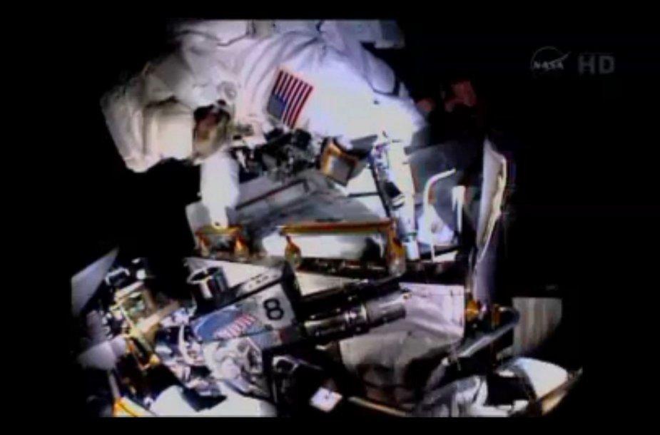 NASA astronautai atvirame kosmose